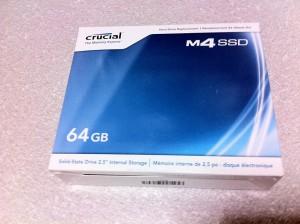 購入したSSD(パッケージ)