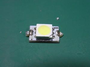 LEDバルブ側面の基板(部品面)