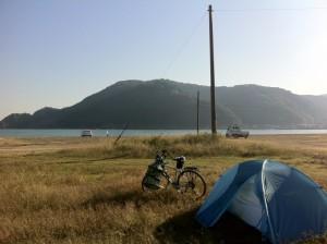 気比の浜キャンプ場にてテント泊