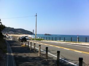 海岸沿いの道(これくらい平坦な道が続くとうれしい)