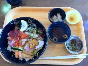 海鮮丼(しまねお魚センターにて)