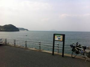 海岸線沿いの道