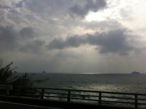 道中の景色(海岸線沿いの道を通ったのでこういう景色が見れました)