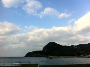 長崎市内への道/風景(あの山から降りてきた、はず)