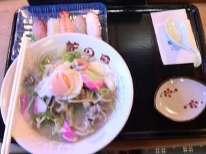 お浜ちゃんぽんとお寿司セット(映りが悪くてすみません)