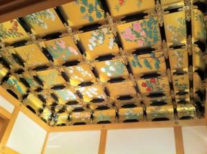 天井(ここの写真は観光ガイドに載っていた気がします)