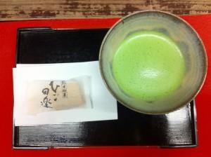 抹茶で一休憩(熊本城にて)