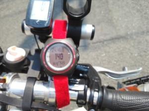 SUUNTO t6c 自転車ハンドルに装着