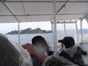 軍艦島が見えてきました