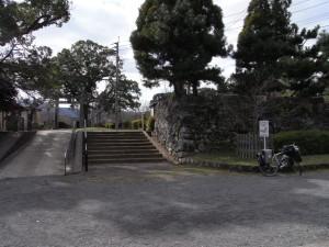 鹿島城跡にある公園に立ち寄り一休憩