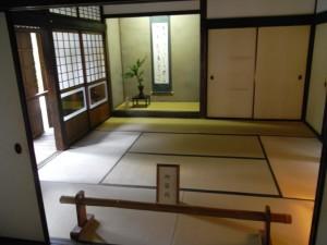 旧細川刑部邸・客間(今の和室とあまり変わりません)