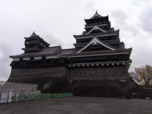 熊本城(石垣の改修工事中でした)
