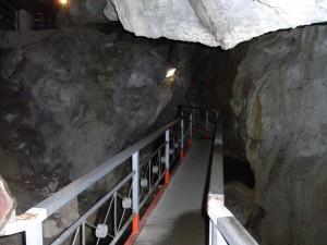 球泉洞 観光順路その1