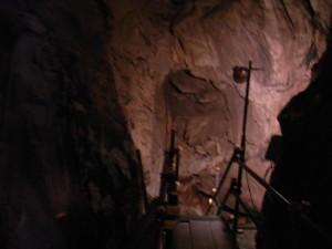 球泉洞 観光順路その4(探検コースの順路は中々にワイルドな感じで、足が竦みました・・・)