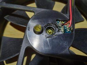 PCファン(120mm)の分解